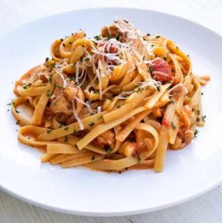 creamy chipotle chicken pasta