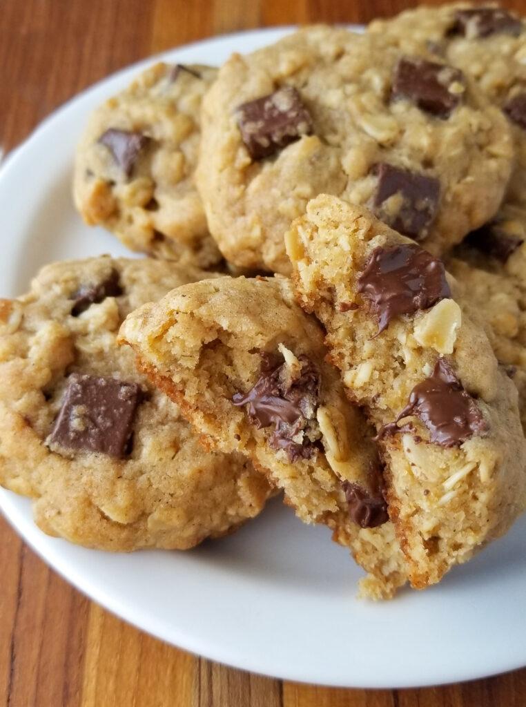 bakery oatmeal chocolate chunk cookies